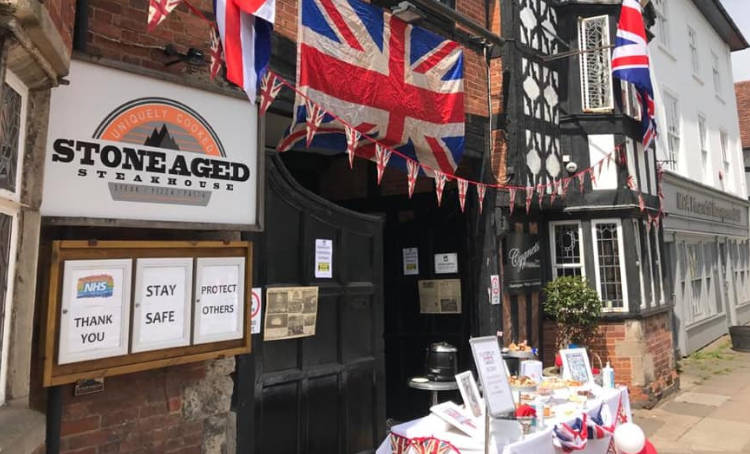 VE celebrations at the White Swan in Henley