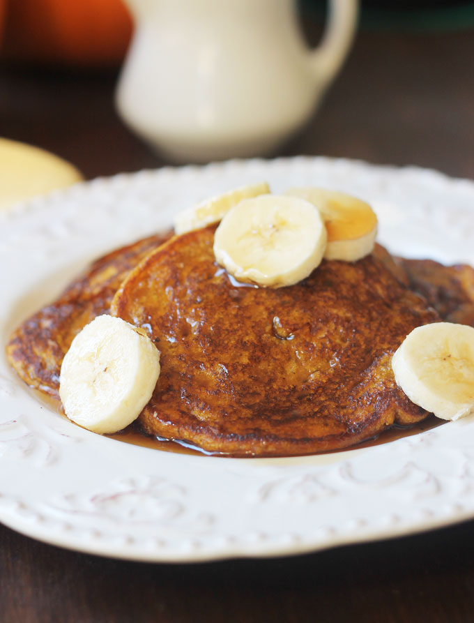 Pumpkin-Banana-Pancakes-Close-up
