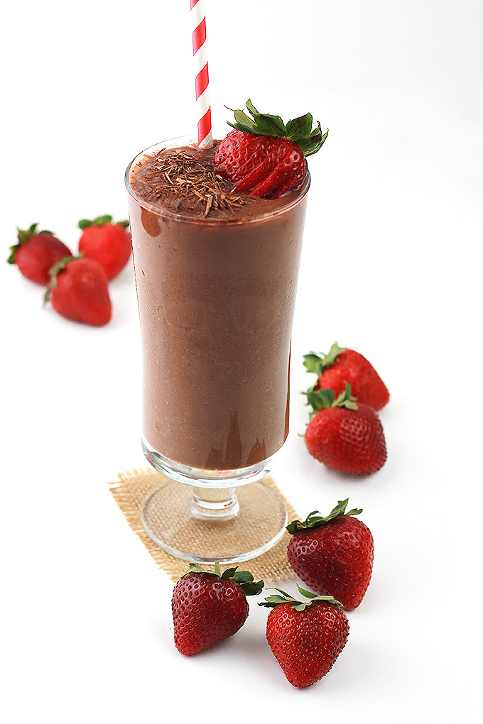 Chocolate-Strawberry-Chia-Smoothie.4