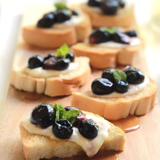 Roasted Grapes With Burrata Cheese Toast