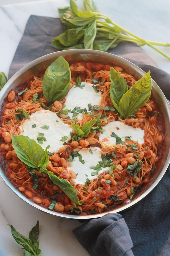 No mess, no fuss One-Pot Pasta with Burrata, uncomplicated and simply delicious.