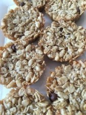 Mini Granola Cakes – An Easy Snack to Try with Your Kids!
