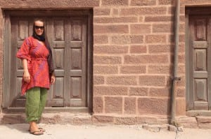 what-to-wear-in-india-female-travelers-jodhpur-fort