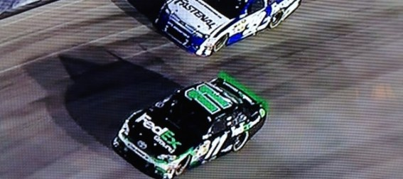 denny-hamlin-outlasts-carl-edwards-during-key-point-of-nascar-race-at-bristol