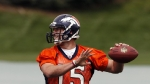 tim-tebow-in-broncos-uniform