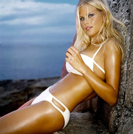 elin-nordegren-beautiful-hot-bikini
