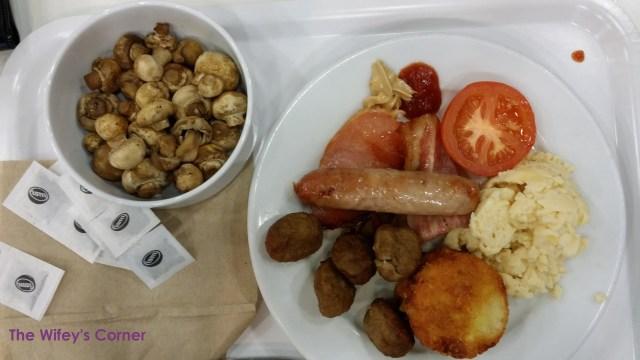Big breakfast with extra mushroom side