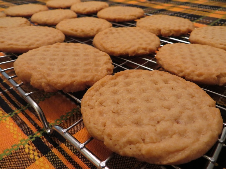 Peanut Butter Cookies | Old Fashioned Cookies |