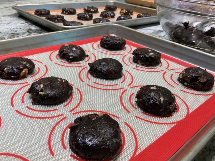 how to flatten dough for brownie cookies