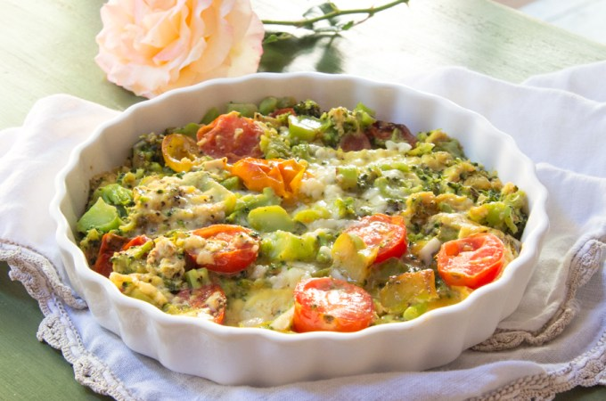 broccoli cheddar frittata with tomatoes