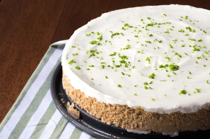 No-Bake Pie: Margarita Pie with a Pretzel Crust