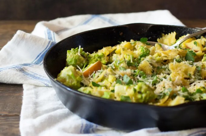 Romanesco Pasta with Apples and Curry Cauliflower Sauce