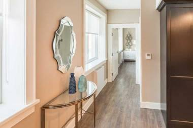 hallway-LRx700