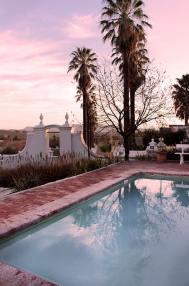 val-du-charron-pink-pool