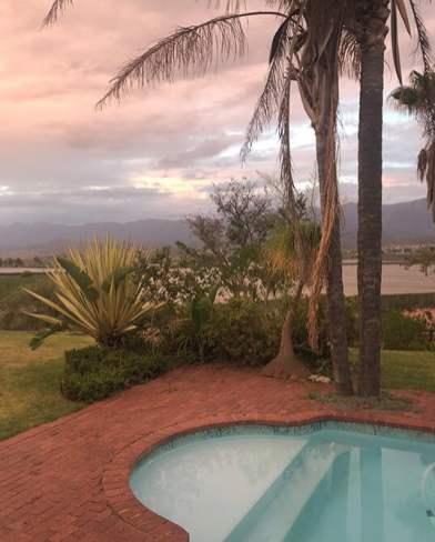 zandvliet wines pool at sunset