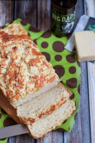 Beer-and-Irish-Cheese-Bread