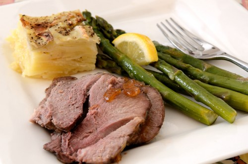 Roast lamb slice with chutney, asparagus and potatoes
