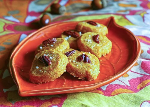 spicy-cheddar-shortbread-biscuit-with-toasted-pecan