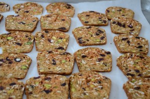 cranberry-pistachio-gourmet-crackers-on-baking-tray