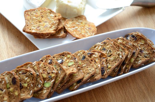 artisanal-crackers-in-white-serving-dish