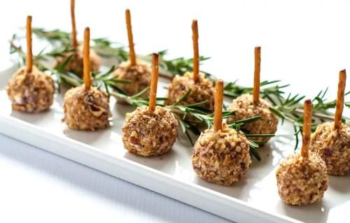 Mini-Cheese-Balls-on-a-Stick-ed-la
