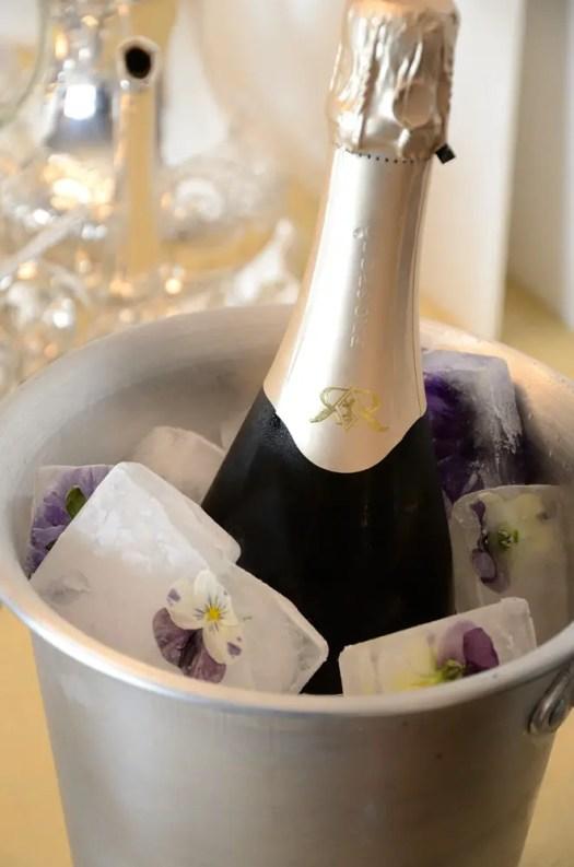 Champagne, Crémant, Cava, Prosecco.... let's talk Sparkling wines!