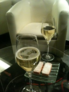 champagne and snack
