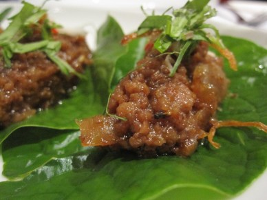 minced beef on betel nut leaf
