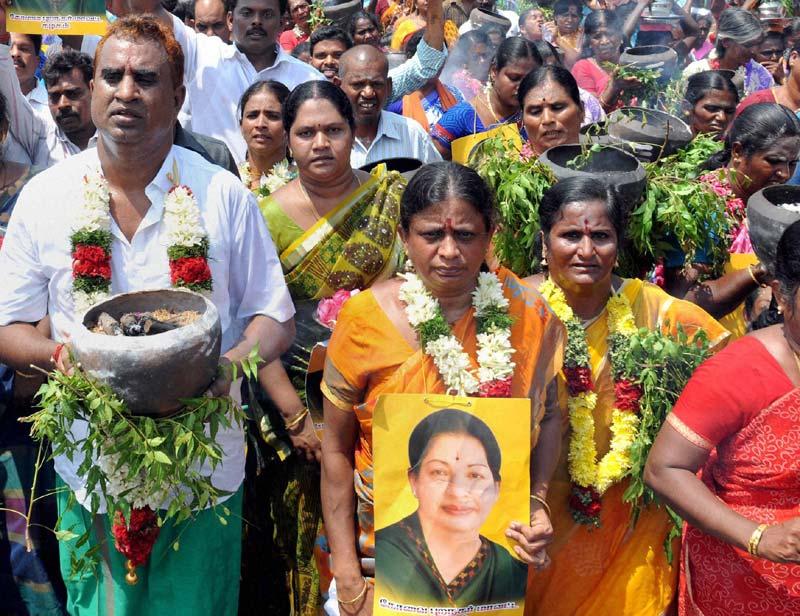 Jayalalithaa-PTI2-800