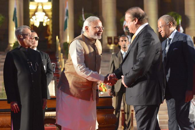 Narendra Modi with Nawaz Sharif. (Courtesy: Narendra Modi flickr page)
