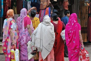 Women shopping in Pushkar. Credit: kkoshy/Flickr, CC BY 2.0
