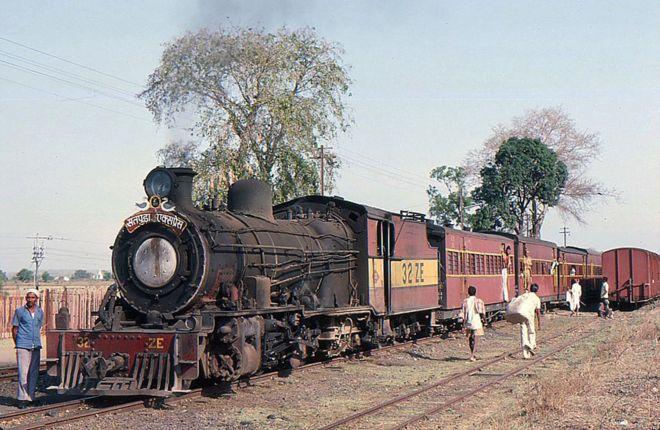 The narrow gauge Satpura line. Credit: Bingley Hall, Flickr