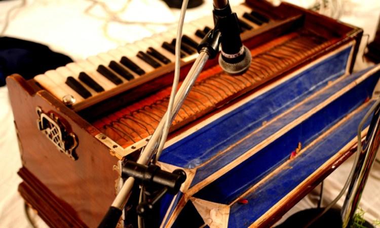 Afzal Sabri Qawwal performing at Junagadh House, Karachi Credit: Arif Mahmood, White Star