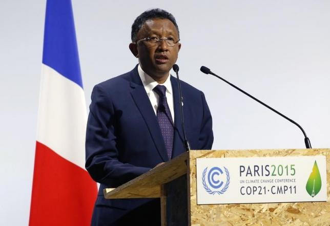 Madagascar's President Hery Rajaonarimampianina delivers a speech for the opening day of the World Climate Change Conference 2015 (COP21) at Le Bourget, near Paris, France, November 30, 2015. Credit: Reuters/Stephane Mahe