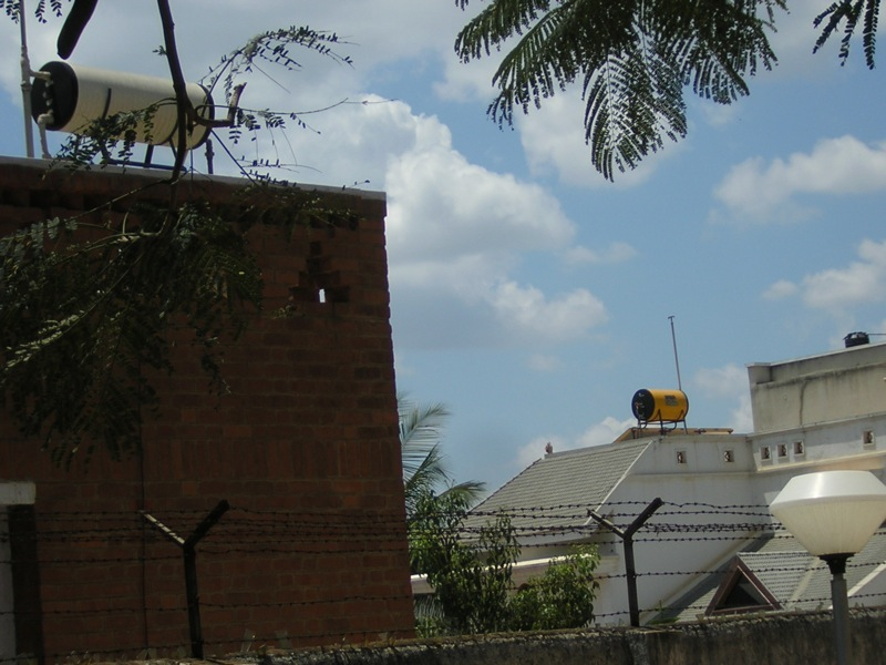 Solar water heaters on rooftops in Bengaluru. Credit: rivo/Flickr, CC BY 2.0