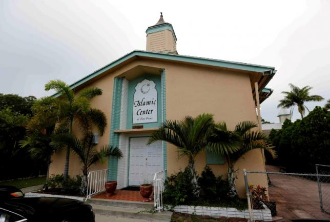 The Islamic Centre of Fort Pierce is shown as worshippers take part in a service to offer prayers for victims of the Orlando shooting, in Fort Pierce, Florida, US on June 12, 2016. Credit: Reuters/Joe Skipper/Files