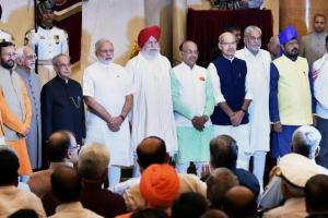 Prime Minister Narendra Modi and President Pranab Mukherjee with the new cabinet. Credit: PTI