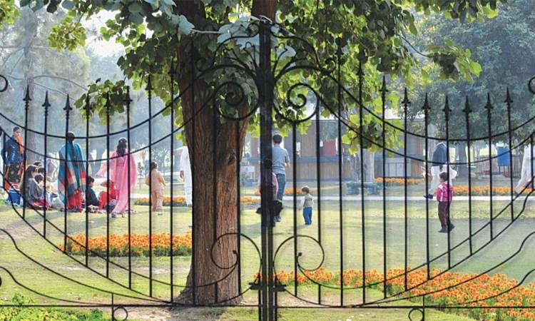 Model Town Park in Lahore. Credit: Arif Ali, White Star/Herald
