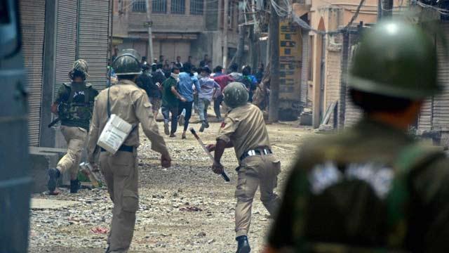 File Photo: Kashmir clashes. Credit: PTI