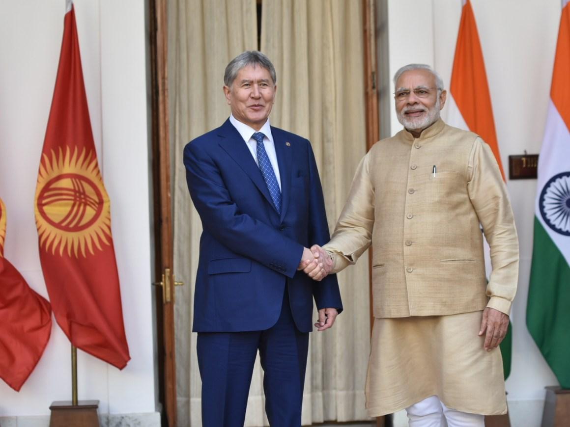Prime Minister Narendra Modi with Kyrgyz Republic's President Almazbek Atambayev. Credit: MEA/Flickr
