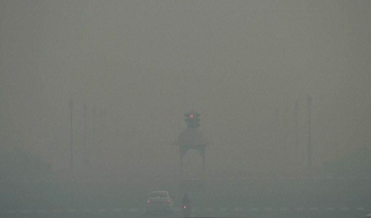 Pollution in Delhi after Diwalhi, 2016. Credit: PTI