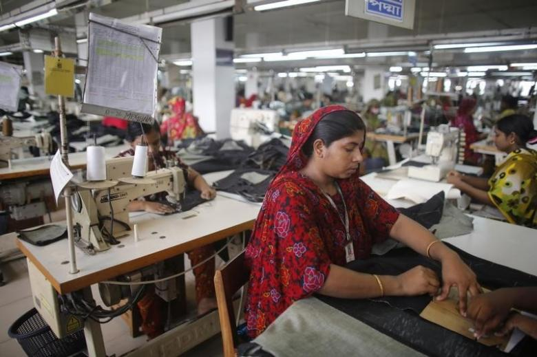 Textile industry in India has been hit by the cash crunch post demonetisation. Credit: Reuters/Andrew Biraj
