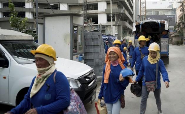 Women migrant workers. Credit: UN