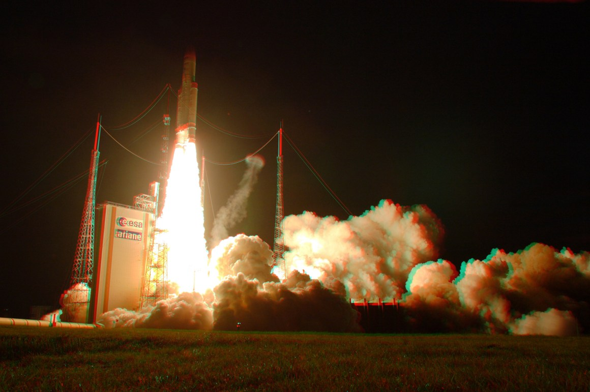 An Ariane 5ES lifts off, June 2013. Credit: dlr_de/Flickr, CC BY 2.0