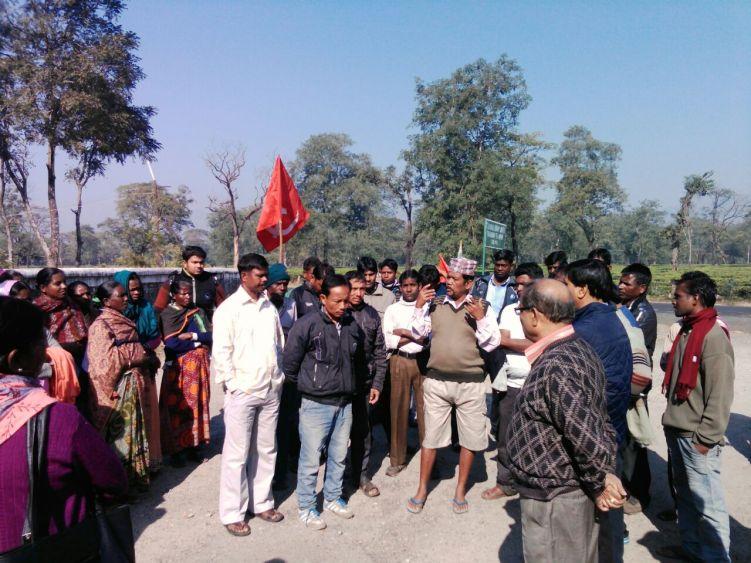 Tea garden workers during a protest post demonetisation in North Bengal. Credit: Special arrangement