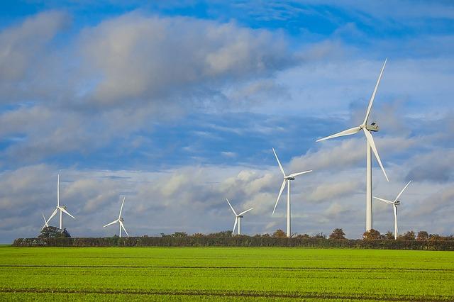 wind-turbines-1117890_640