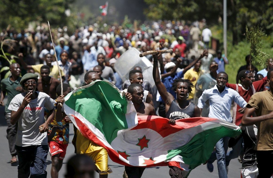 Protesters carry a Burundi flag during a protest against President Pierre Nkurunziza's decision to run for a third term in Bujumbura, Burundi May 13, 2015. Credit: Reuters/Goran Tomasevic/FilesProtesters carry a Burundi flag during a protest against President Pierre Nkurunziza's decision to run for a third term in Bujumbura, Burundi May 13, 2015. Credit: Reuters/Goran Tomasevic/Files