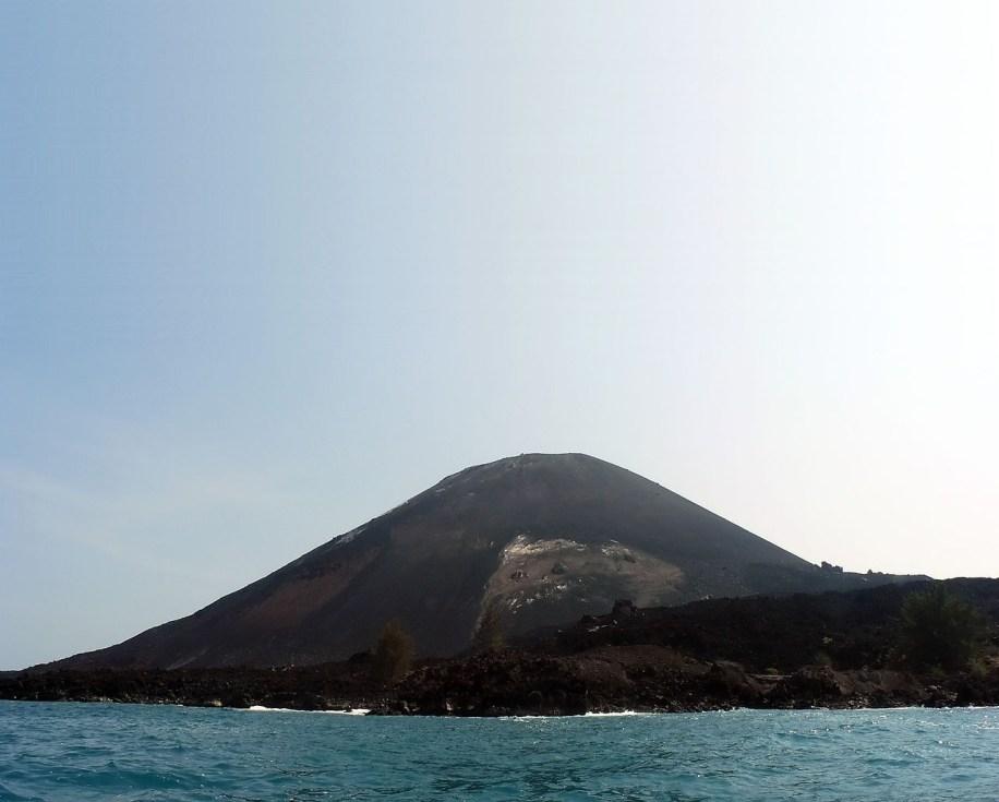 The new island of Anak Krakatoa in Indonesia. Credit: Wikimedia Commons