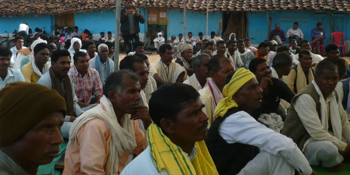 A protest meeting by those who will be potentially displaced by the nuclear plant in Chutki. Credit: Baba Mayaram