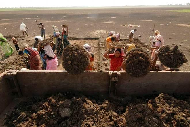 File photo of MGNREGA workers. Credit: Reuters